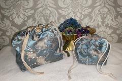 Beutel-Satin-bleu-beige